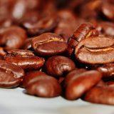 Een heerlijk kop koffie van verse koffiebonen